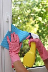 Putzen eines nicht-selbstreinigendes Fensters
